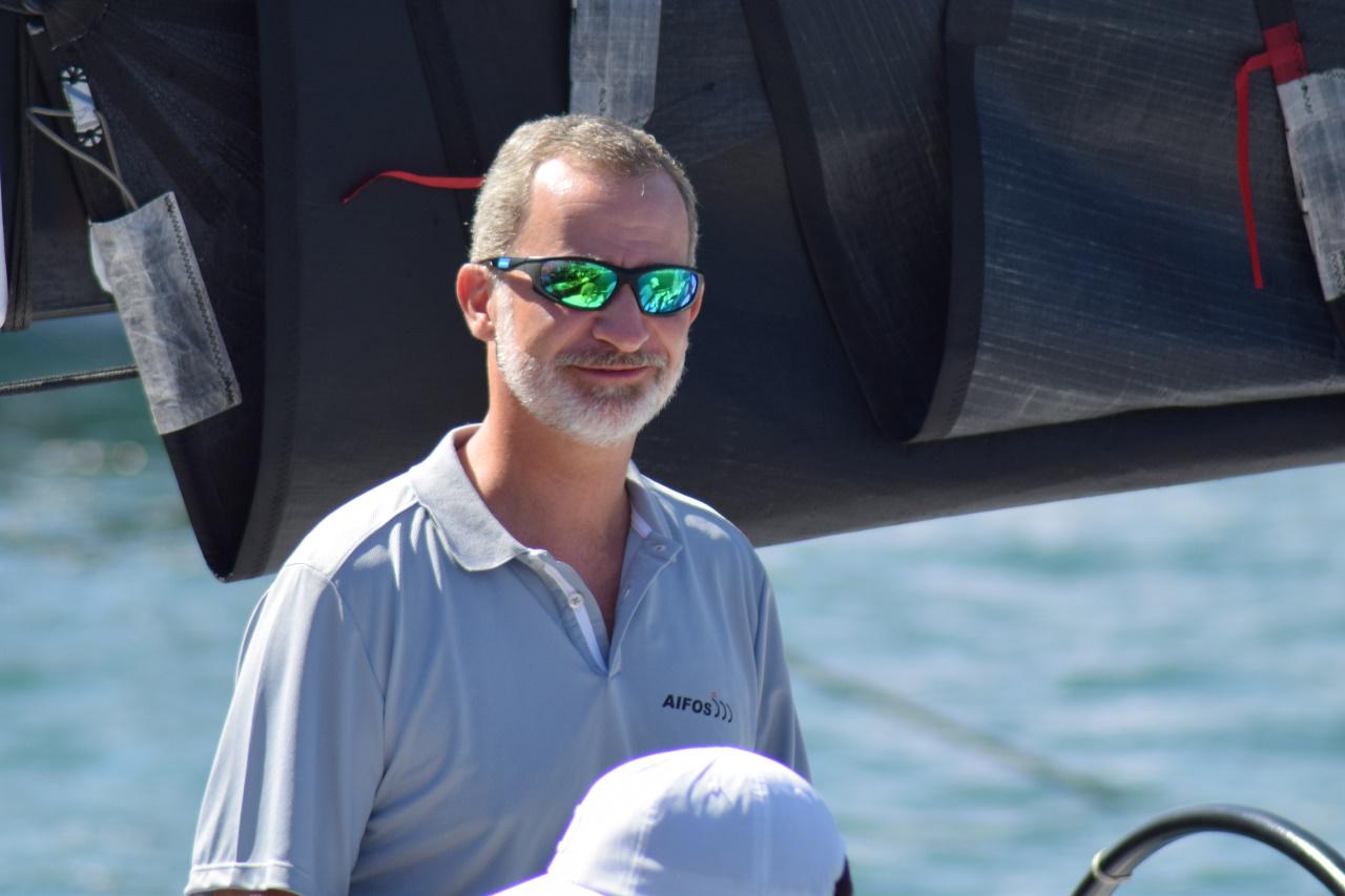 Rey Felipe VI portando unas Kahaway Kanoel Verdes