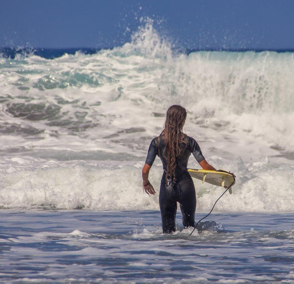 surfer-3729052_1920